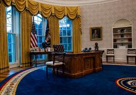 view-of-the-resolute-desk-seen-during-an-early-preview-of-news-photo-1611247377.